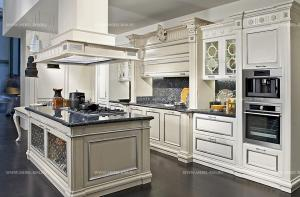 Bamax_-_elite-contemporary-kitchen-Venezia-white-with-silver-foil_01.jpg