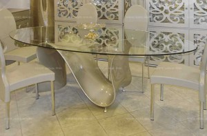 tonin-casa-tempered-glass-oval-table-italy.jpg